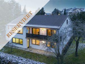 Vielseitig nutzbares Zweifamilienhaus mit Südausrichtung in ruhiger Lage